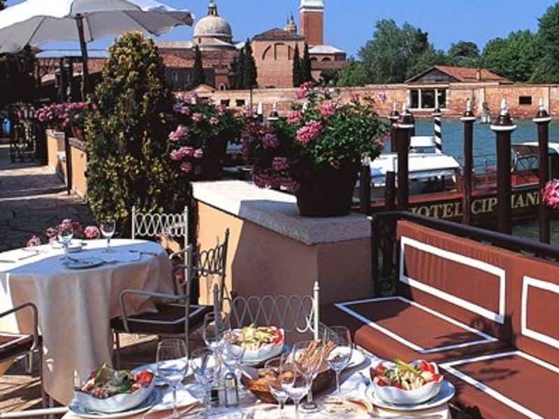 Restaurant Fortuny [POI]