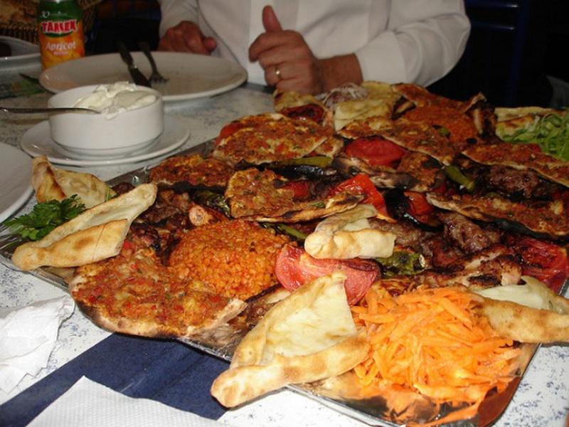 Ce şi unde mâncăm şi bem în Istanbul