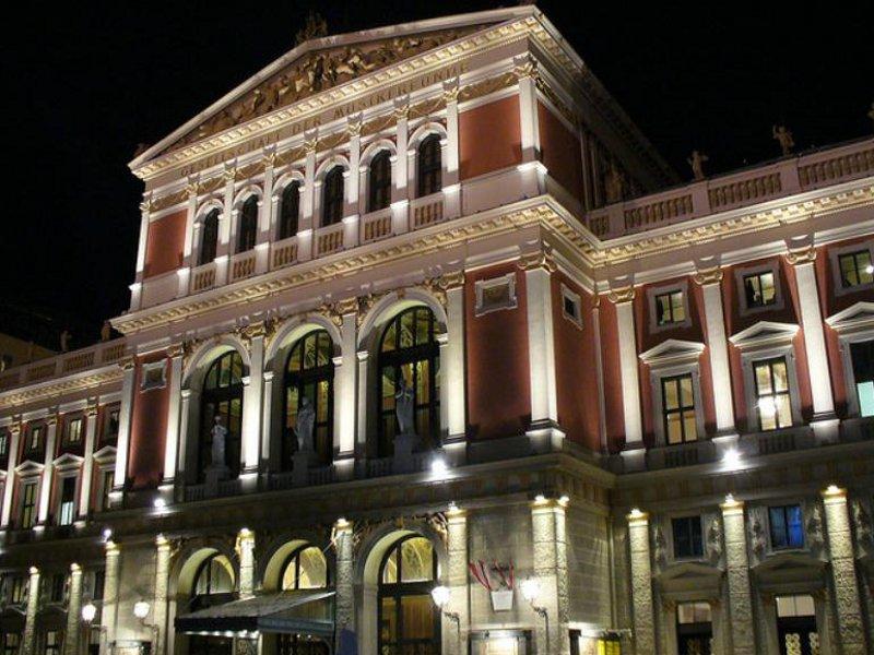 Dacă iubeşti muzica, hai la Viena