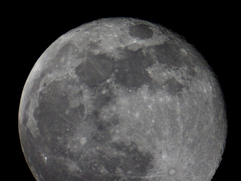 Unde mai plecăm? Pe Lună nu vrei?!