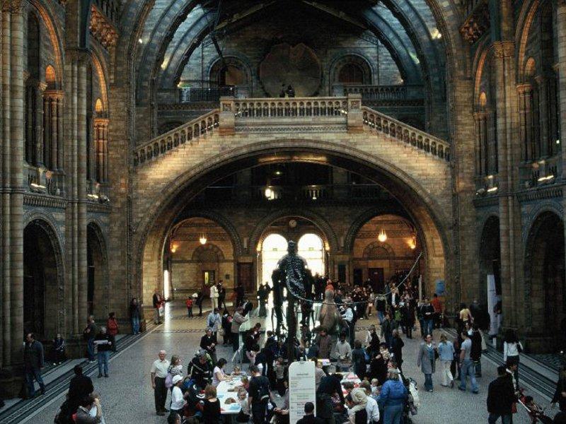 Muzeul Naţional de Istorie Londra [POI]