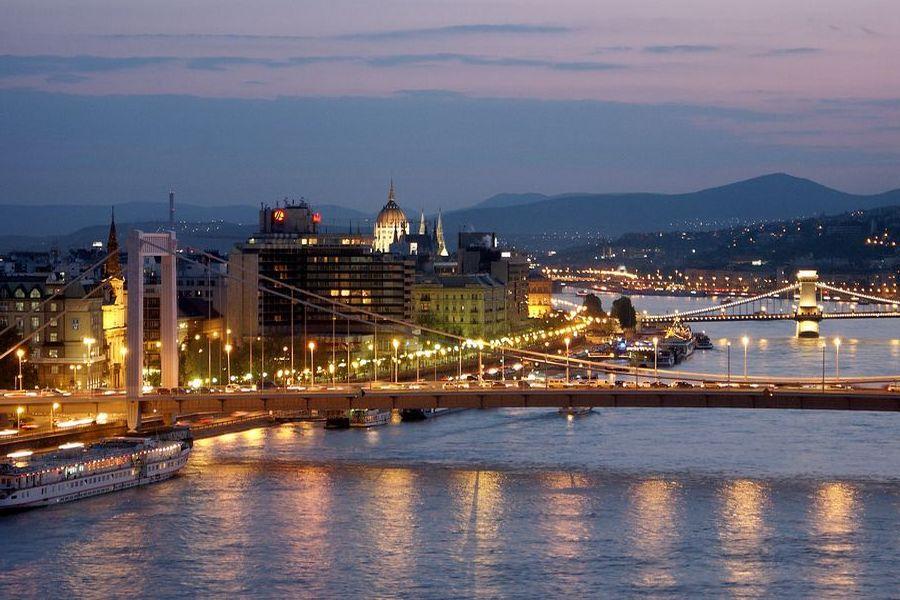 City Break Budapesta – romance pe malul Dunării