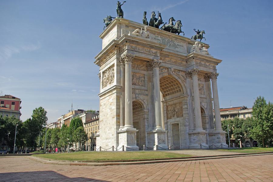Imagini pentru Arcul Păcii Milano