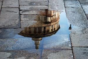 Milano realitate in oglinda