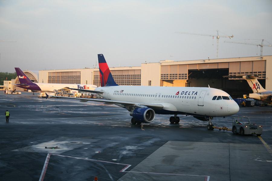 2012 va fi un an greu pentru companiile aeriene