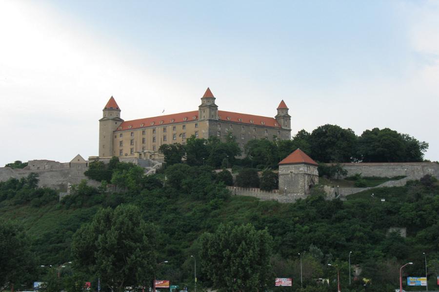 Printre castele şi clădiri vechi în Bratislava