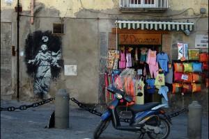 Shopping la colt de strada in Napoli