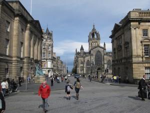 Una dintre zonele cele mai vizitate din Edinburgh