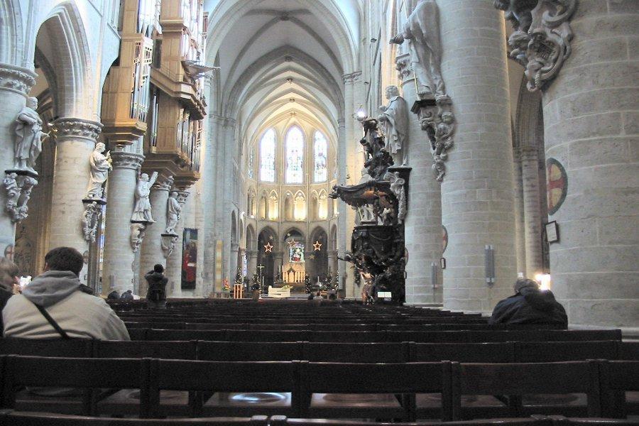 Catedrala Sfântul Mihai şi Gudula (Cathedrale St-Michel et Ste-Gudule) [POI]