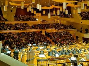 Interiorul filarmonicii din Berlin inainte de concert