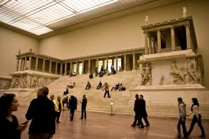 Interiorul muzeului Pergamon din Berlin