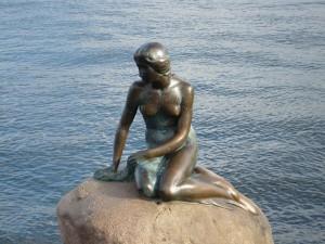 Statuia Micii Sirene din Copenhaga