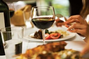 Vinul tradiţional este Chianti