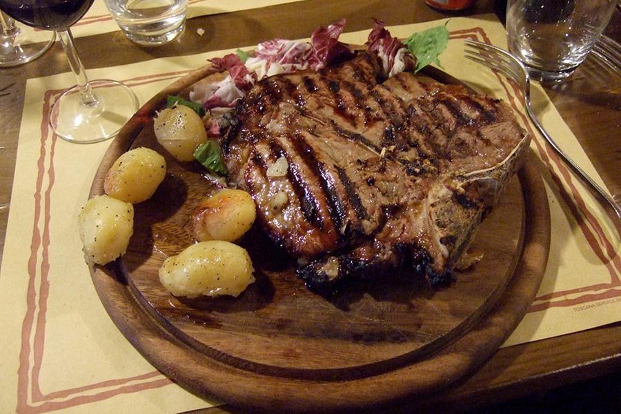 Mâncare şi băutura tradiţionale în Florenţa