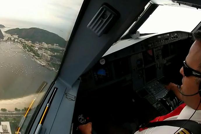 Imagini spectaculoase din cabina unui Airbus A319 [video]