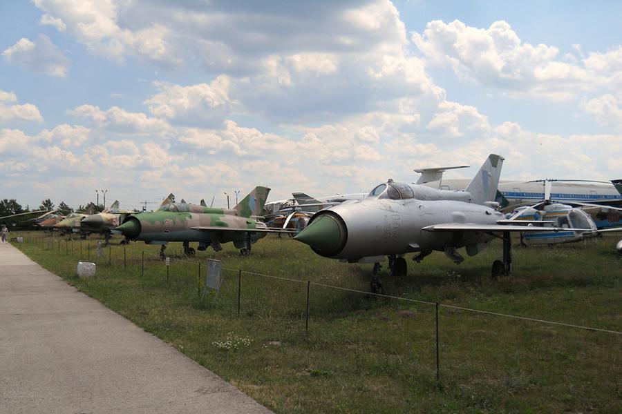 Muzeul Aviaţiei din Kiev (ДЕРЖАВНИЙ МУЗЕЙ АВІАЦІЇ) [POI]