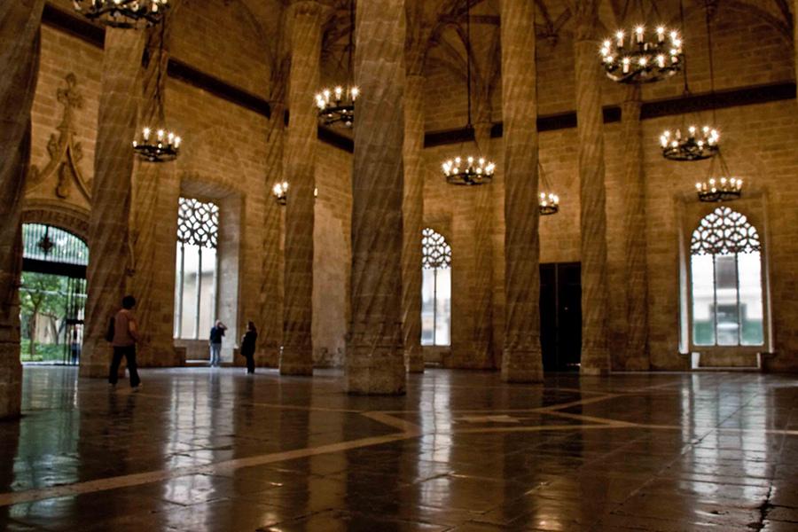 Bursa din Zaragoza (La Lonja) [POI]