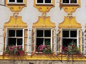 Ferestrele apartamentului unde Mozart s-a nascut