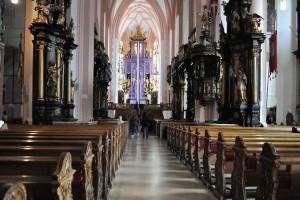 Interiorul Manastirii Nonnberg din Salzburg