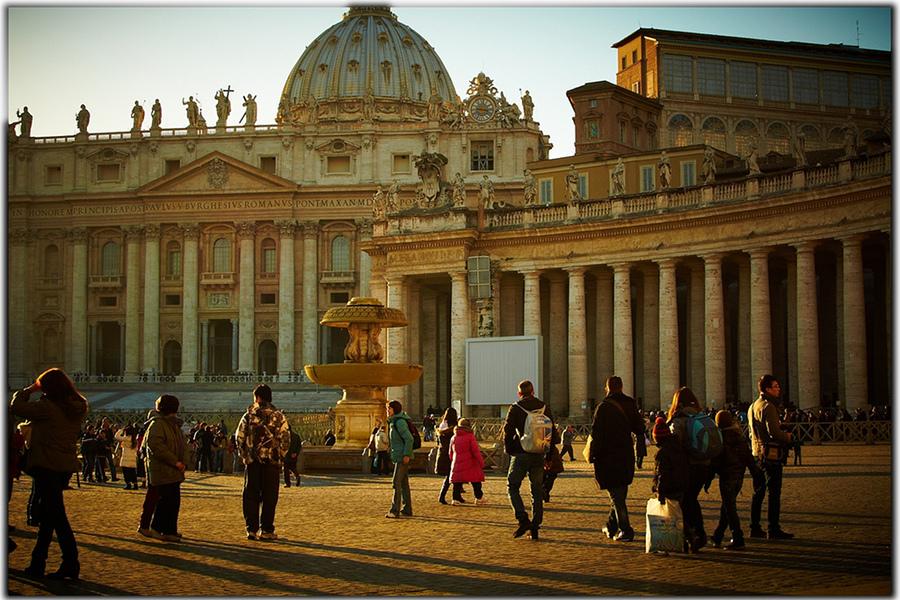 Ofertă de la Tarom: bilete de 99 de euro pentru Roma, Atena, Larnaca şi Cairo