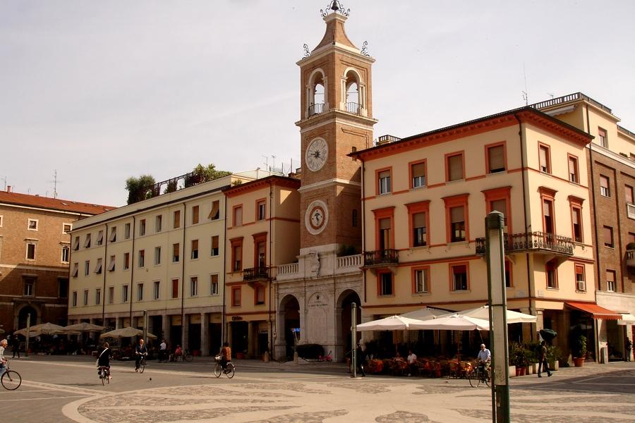 Piaţa Trei Martiri (Piazza Tre Martiri) [POI]