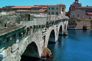 Unul dintre frumoasele poduri din localitate