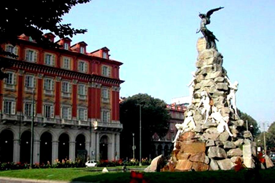 Piaţa Statuto (Piazza Statuto) [POI]