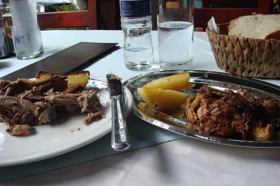 Ce mâncăm şi bem în Dubrovnik