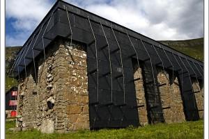 Centrul Episcopal Kirkjubøurdin Insulele Feroe, unul dintre cele mai vizitate locuri ale regiunii