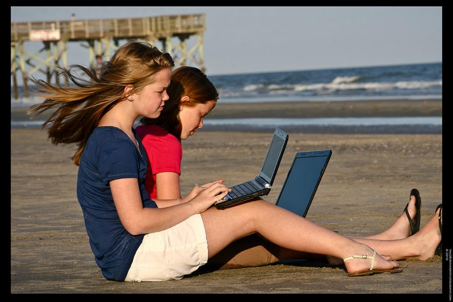 Preferăm online-ul atunci când cumpărăm pachete de vacanţă